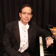 Meisterpianist Menachem Har-Zahav spielt Liebestraum